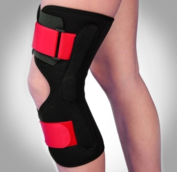 Orteza de genunchi mobila cu inchidere anterioara si articulatii mobile Triagen